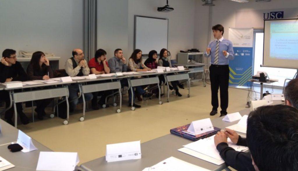 Fernando Pena impartiendo un curso de liderazgo transformacional