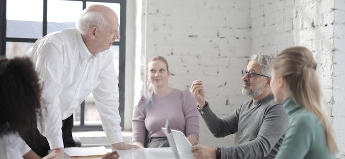 Liderar una reunión de trabajo